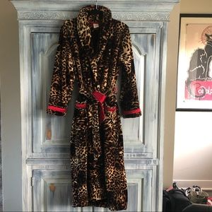 Soma Luxe Plush Leopard Robe